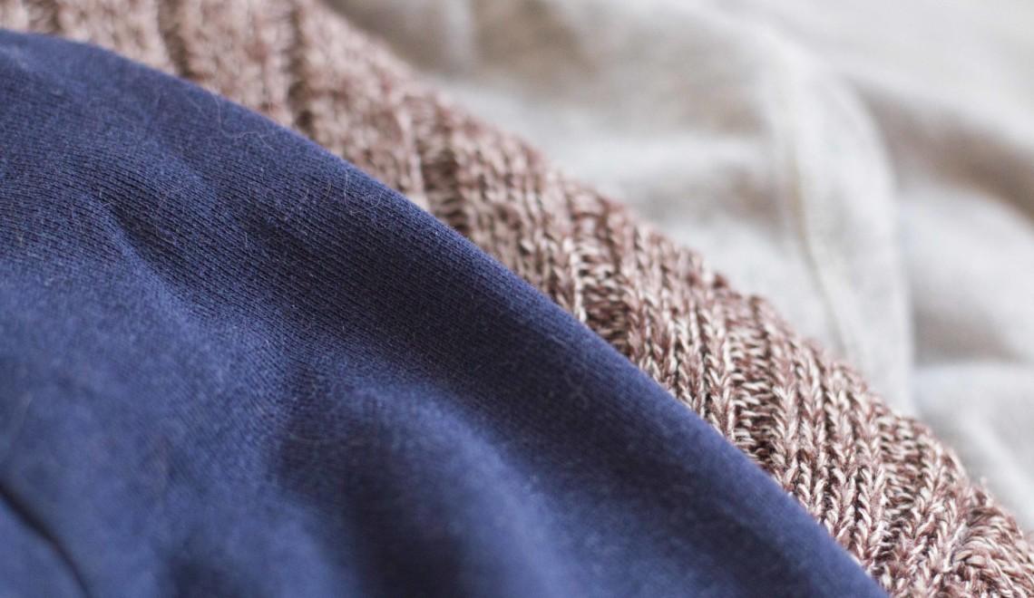 Minimaliseer je kledingkast: dit zijn vijf kledingstukken die je meteen kunt wegdoen