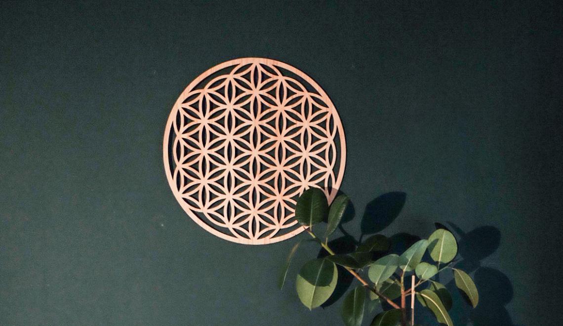 Dit muurornament heeft een bijzondere meditatieve werking