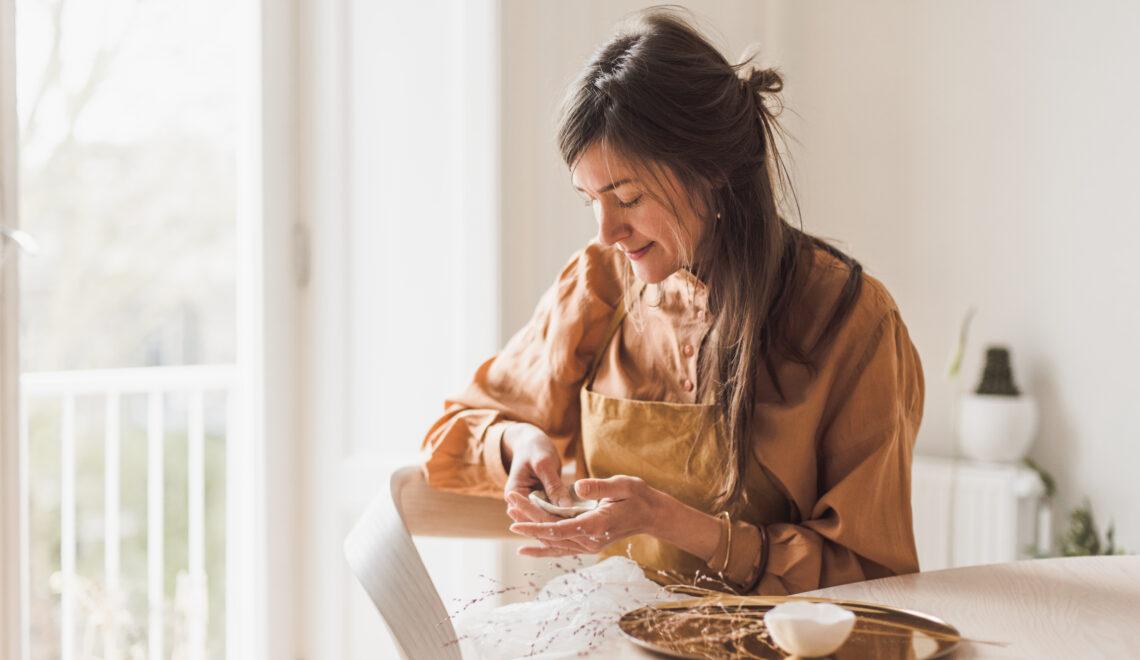 Lokaal en tijdloos: ontdek de handgemaakte sieraden van Julia Otilia